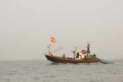 Fishermen going about their business - Arabian Sea - Mumbai harbour